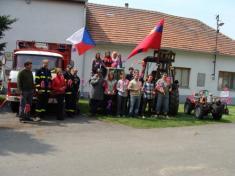 Stavění máje + prvomájový průvod 2011